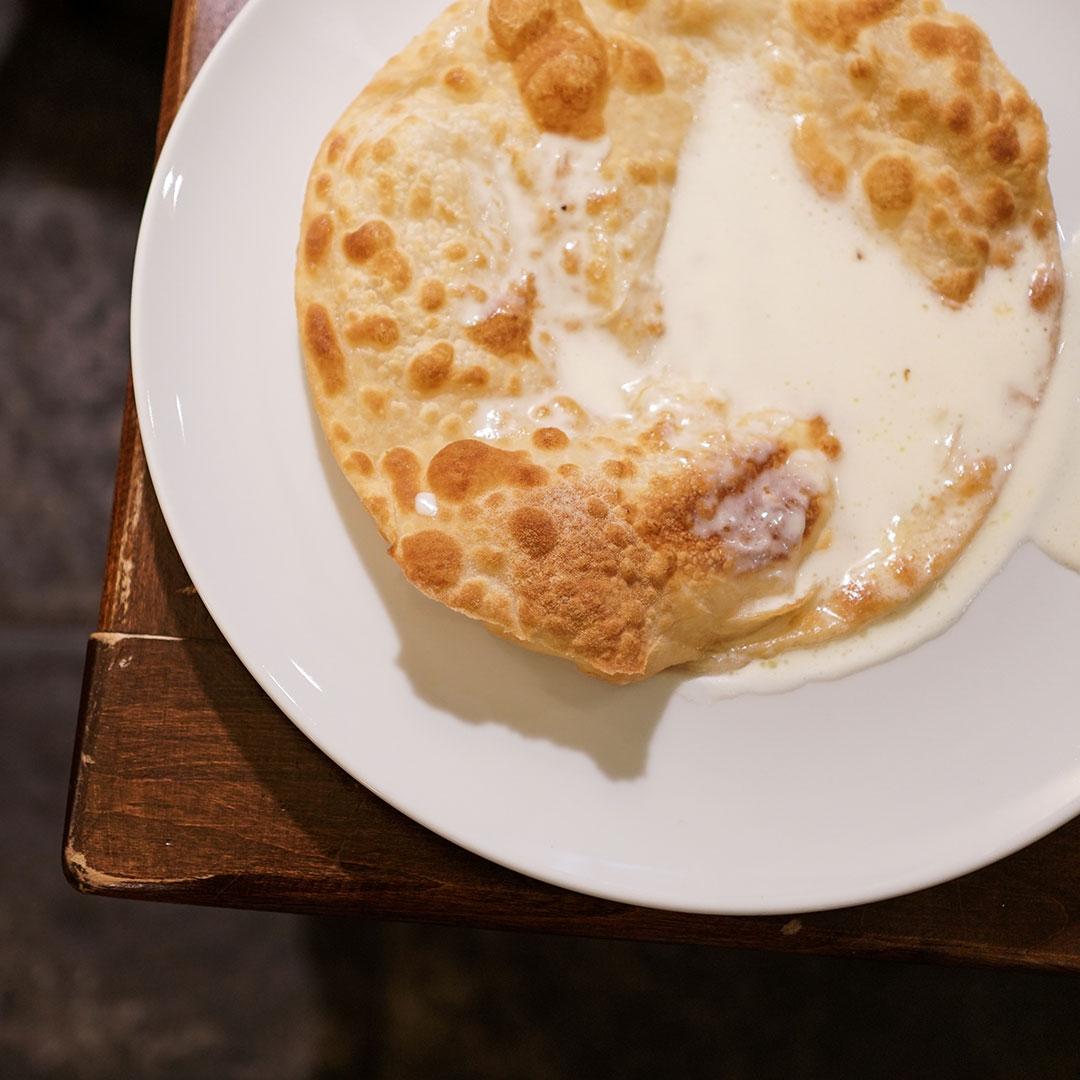 Focaccia al formaggio Osteria il Cadraio Genova
